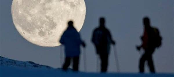 Full-Moon Snowshoeing 1